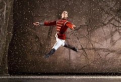 Nutcracker ballet the magical story for Floor nutcracker